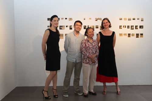 guo-peng-mother-and-the-2-curators